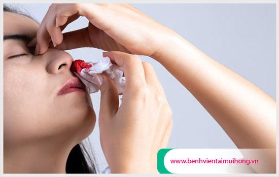 nguyên nhân xì máu mũi vào buổi sáng